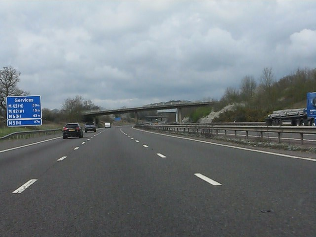 Services information, M40 motorway