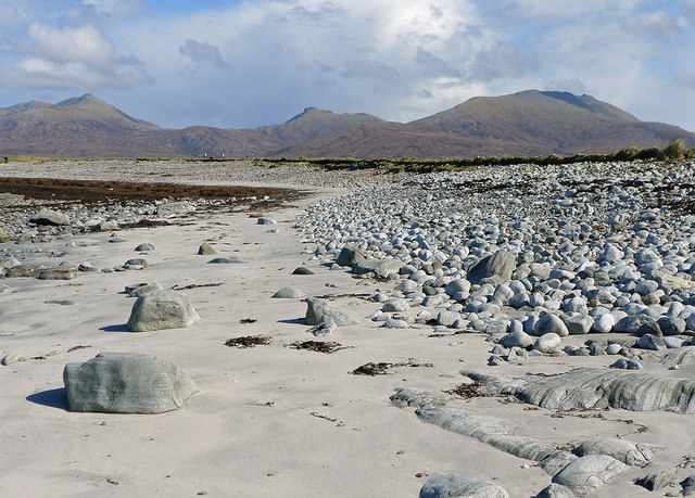 West coast shoreline overlooked by Hecla and Beinn Mhor