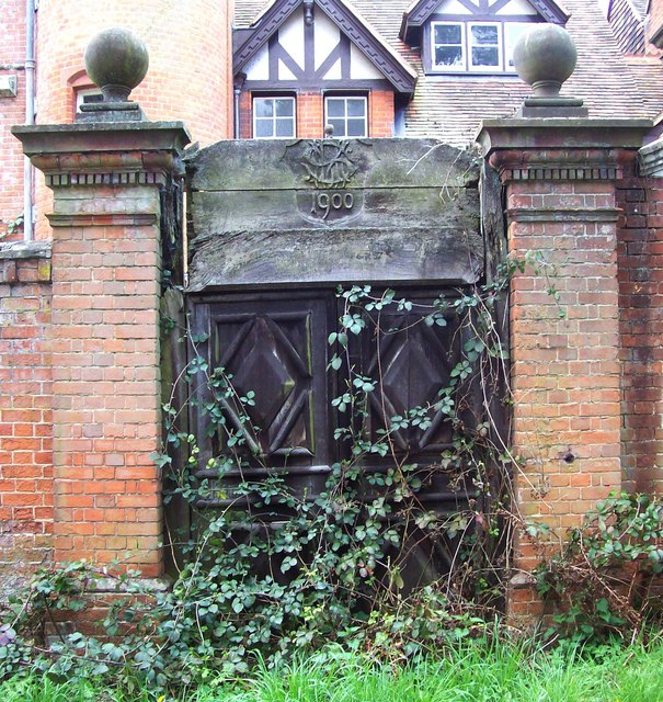 Disused Gate
