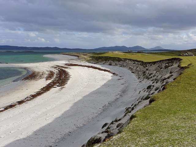 The eastern sandy bay of Berneray