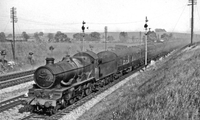 Paddington - Hereford express at Moreton Cutting, east of Didcot
