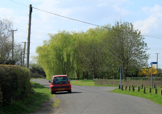 2012 : Besom Lane crossing a corner of Wapley Common
