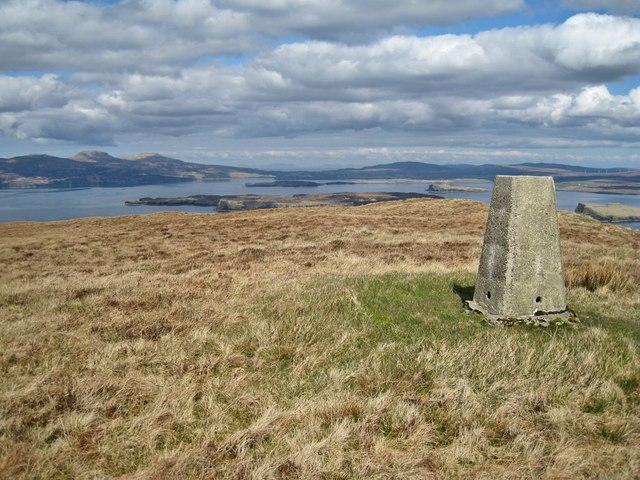 Summit of Beinn nan Dubh-lochan - NNW view