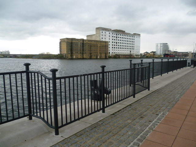 Royal Victoria Dock and Millennium Mills