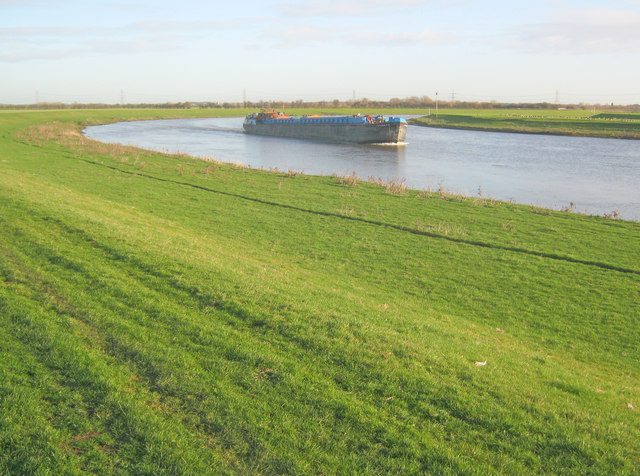 Trent barge at North Holme