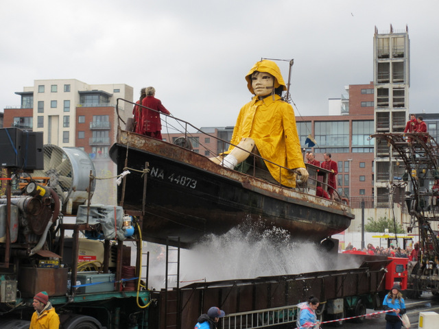 Little Girl Giant 'sailing' along Wapping