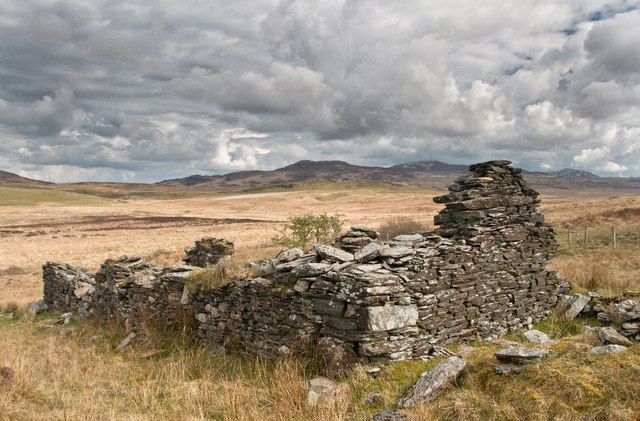 Ruin by Loch Bharradail, Islay