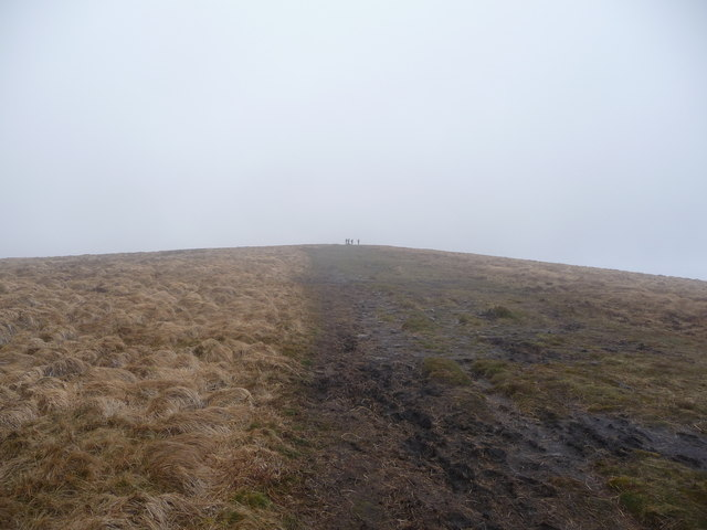 Approaching Twyn Talycefn on the Ffawyddog ridge of the Black Mountains