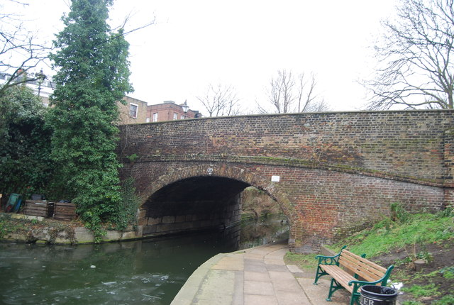 Regents Canal - Danbury Road Bridge