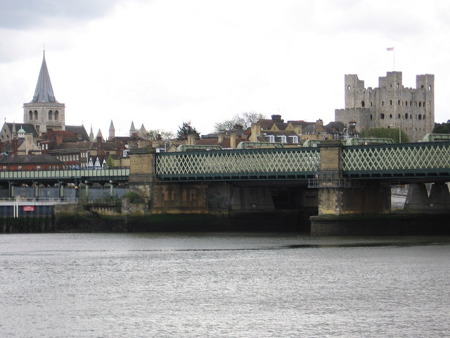 Rochester - cathedral, railway bridge and castle
