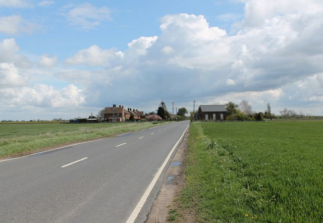 Armtree Road (B1184) towards Langrick