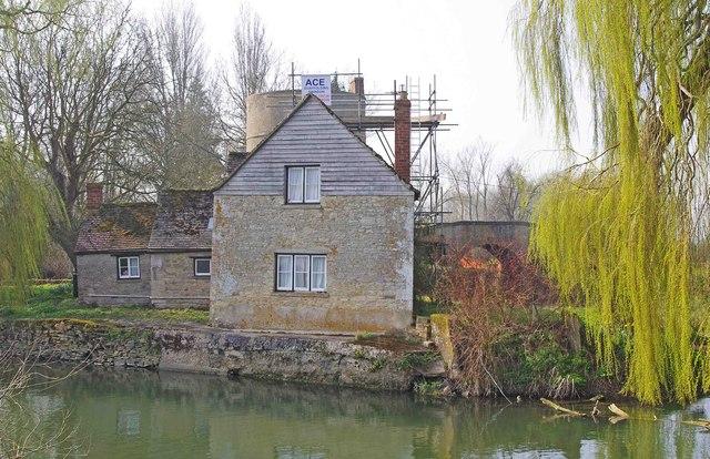 Inglesham Roundhouse by the River Thames, near Inglesham