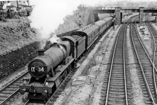 Paignton - Wolverhampton express coming out of Bristol through Lawrence Hill