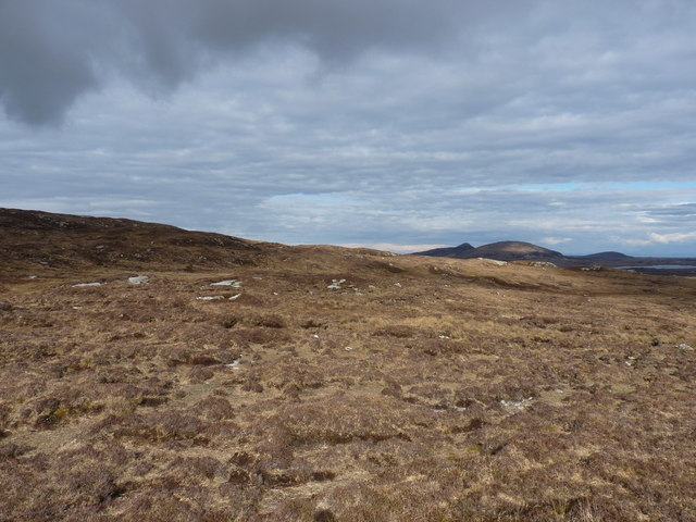 Across the southern slopes of Beinn Dubh Sholais