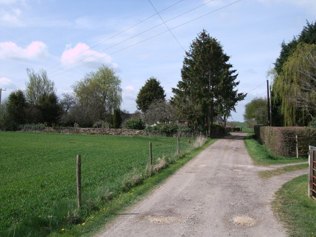 Lane to Peartree Cottage, Hankerton