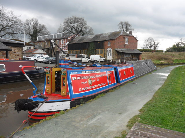 Working Narrow Boat Hadar moored at Ellesmere Junction