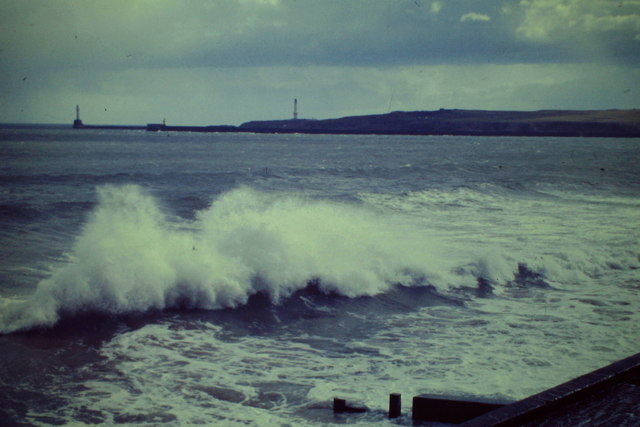 Waves at Aberdeen Beach