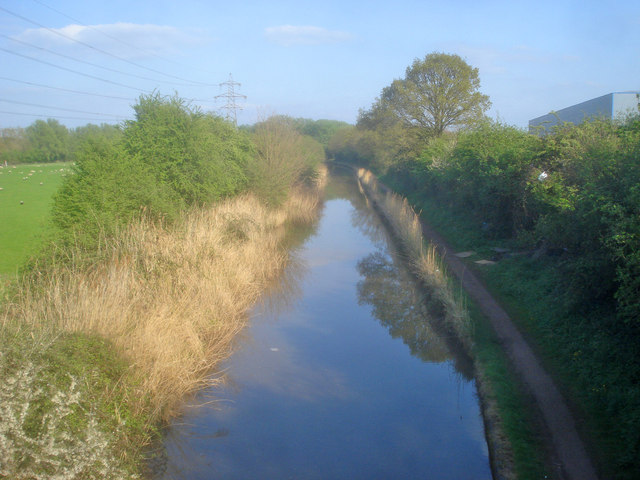 Worcester &amp; Birmingham Canal at Tolladine Bridge