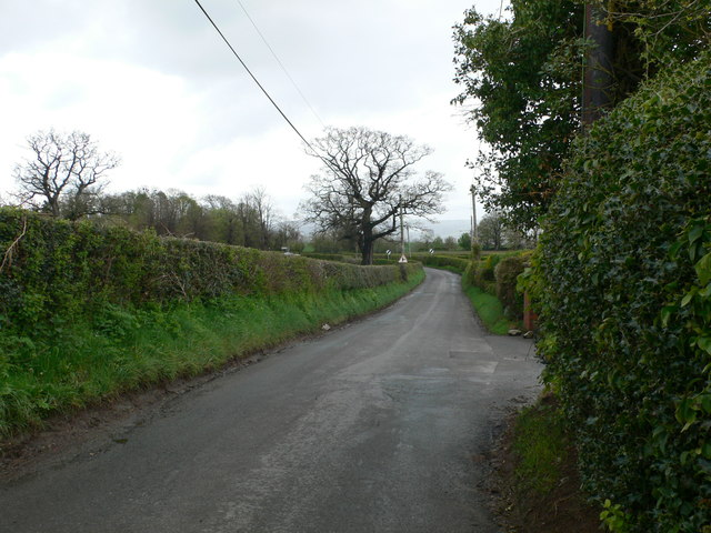 Country road to the south of Gellifor