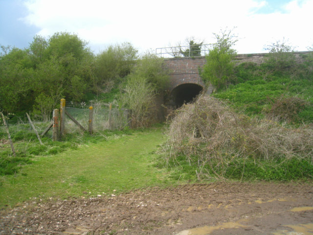 Path under the railway - Steventon