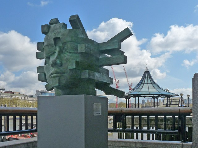 Sculpture, Thames Riverside Walkway, London Bridge
