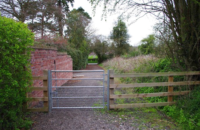 Gate on the Upper Arley Circular Walk (looking northwest) near Upper Arley
