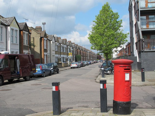Milton Avenue / Shelley Road, NW10