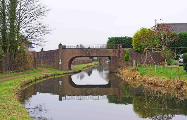 Upper Mitton Bridge (no. 8), Staffs & Worcs Canal, Stourport-on-Severn