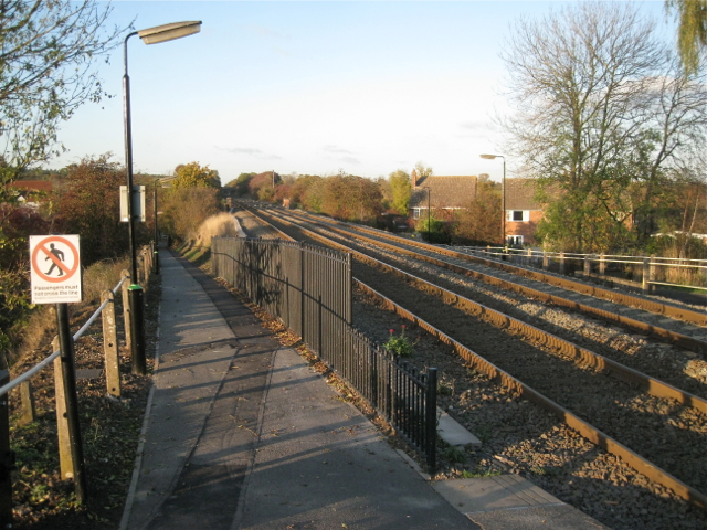 Railway tracks through Wootton Wawen