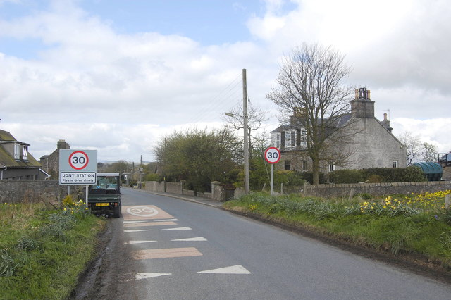 Village approach to Udny Station