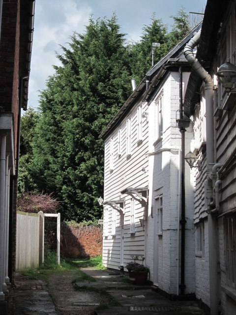 Cottages off High Street