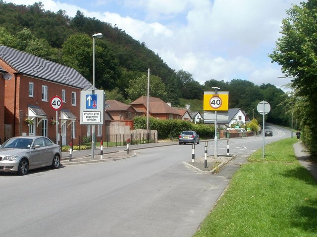 End of the 30mph speed limit in Llanbradach