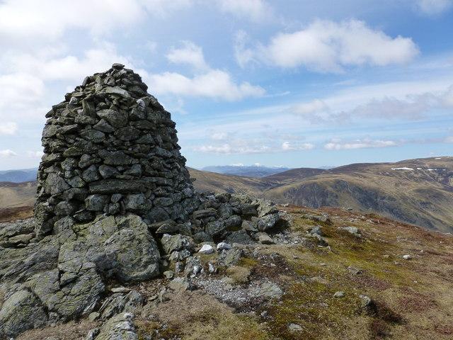 Large cairn on Choinneachain Hill