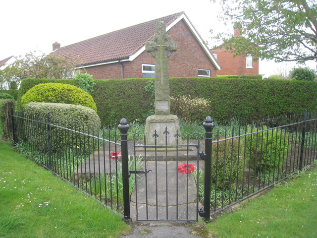 War Memorial, Marshchapel