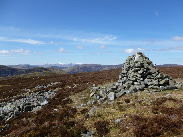Cairn south-west of the summit of Auchnafree Hill