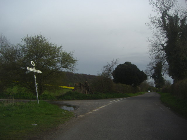Chalton Lane at the junction of the road to Compton