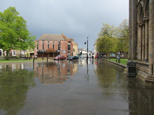 After heavy rain at Minster Place, Ely