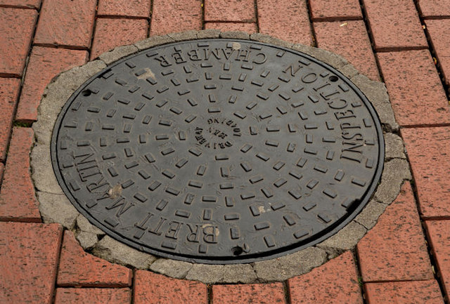 Brett Martin inspection cover, Belfast (2)