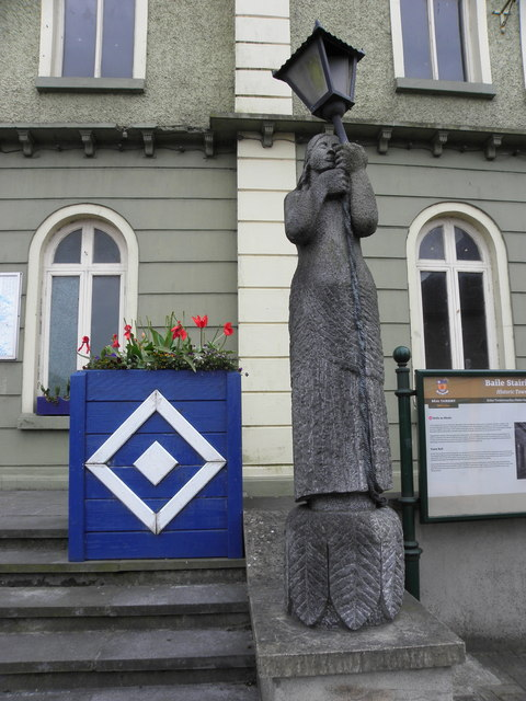 Sculpture, Belturbet Town Hall (2)