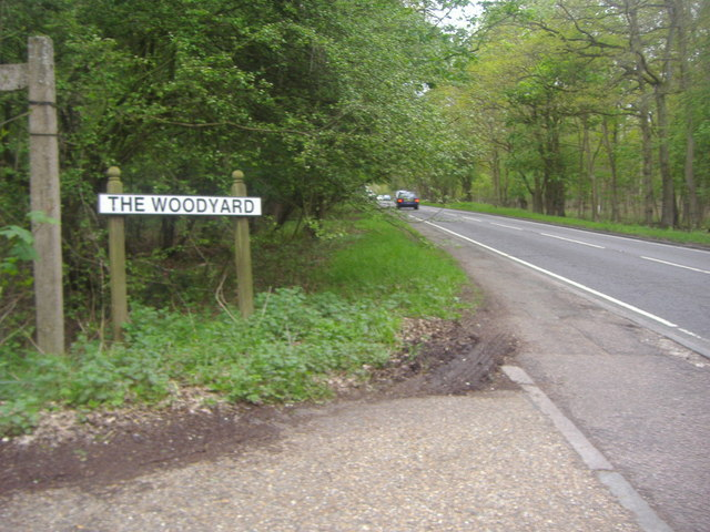 Junction of The Woodyard and Epping Road