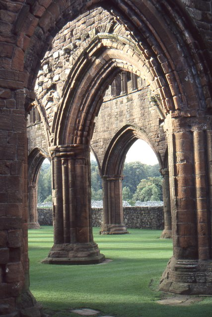 Sweetheart Abbey: looking into the nave from the south transept