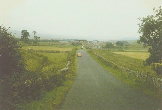 The B6399 approaching Toftholm Farm in 1986