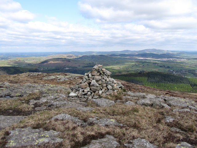 Summit cairn on Slievenabrock