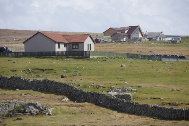 Houses along the Mailand road, Uyeasound