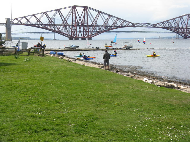Kayak and sailing school at Longcraig