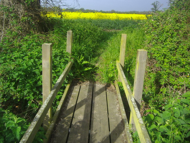 Bridge on public footpath off Park Lane
