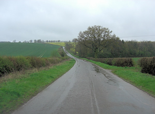 Weedon Road north of Farthingstone