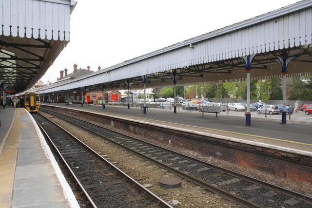 Salisbury Railway Station 169 Roger Templeman Cc By Sa 2 0