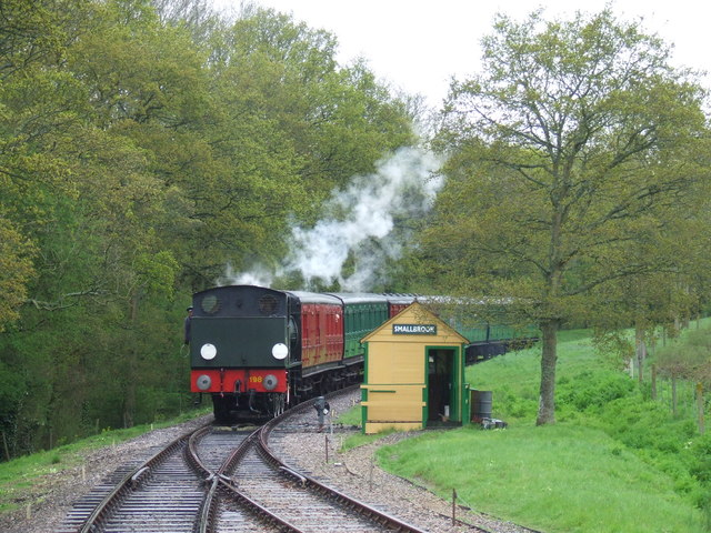 Steam train approaching Smallbrook Junction