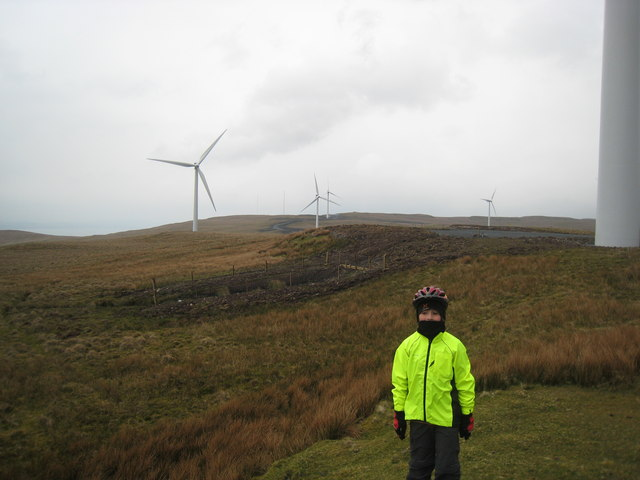 Cocklaw Wind Turbine looking West